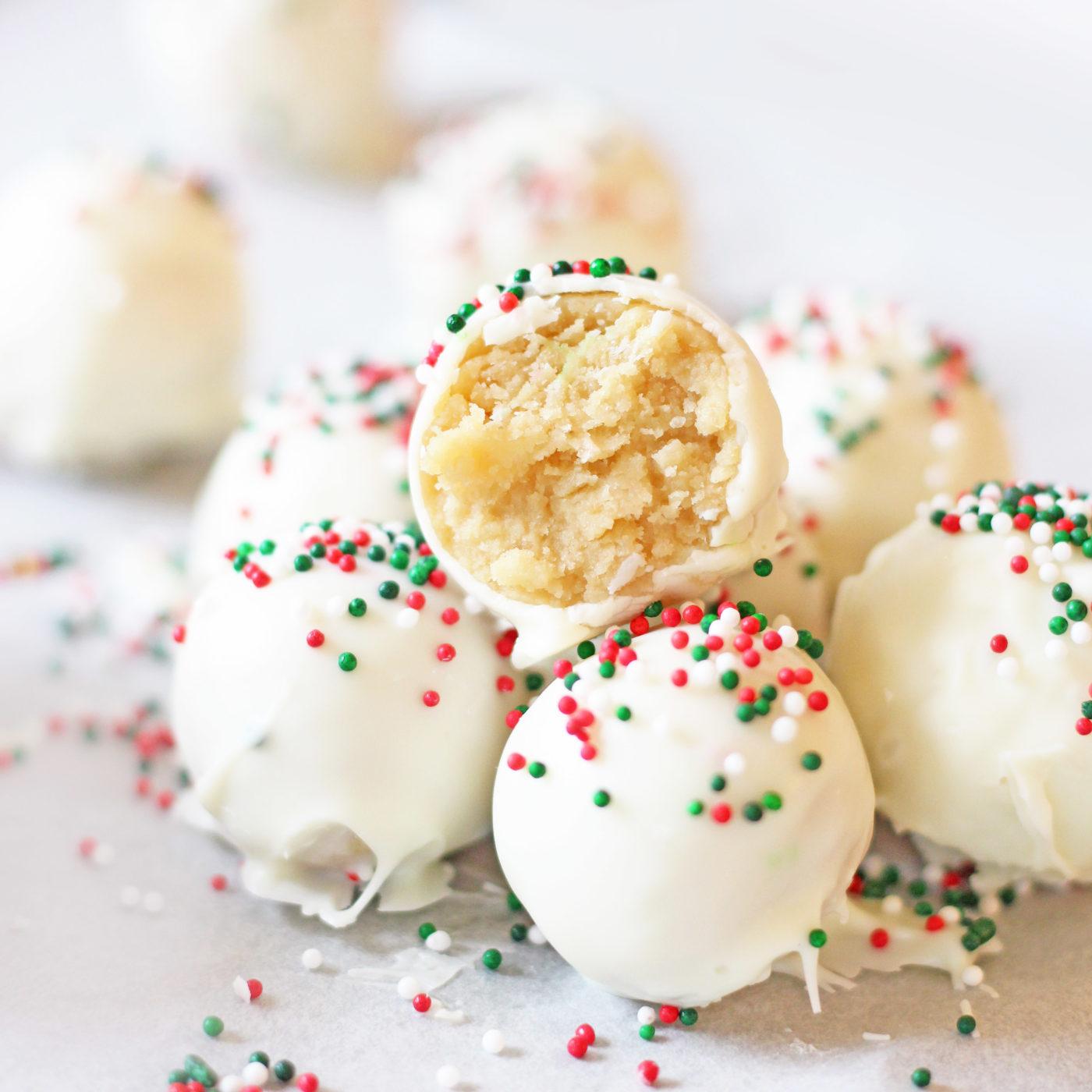 christmas-sugar-cookie-truffles-no-bake-10-2016